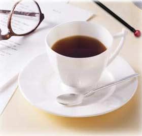 Uống cà-phê có thể giảm chứng co giật mi mắt