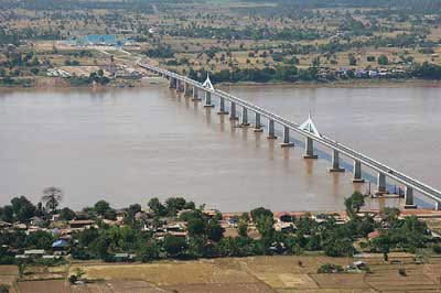 Trung Quốc, Lào, Thái xây cầu xuyên quốc gia