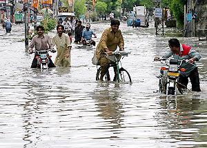 Ấn Độ, Pakistan: Mưa lũ làm nhiều người thiệt mạng