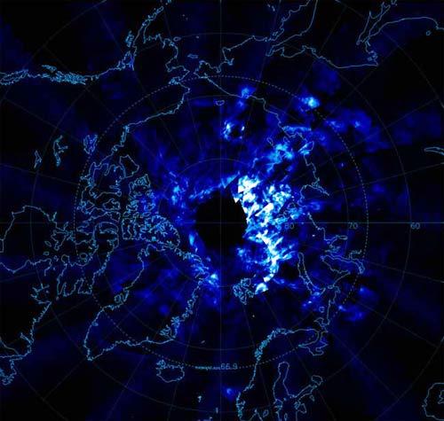 Vào ngày 11/06/2007, chiếc camera của vệ tinh nhân tạo AIM đã cung cấp dữ liệu đầu tiên về những đám mây dạ quang ở Bắc cực thuộc khu vực châu Âu và Bắc Mỹ.