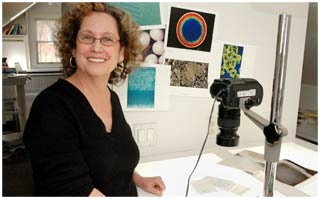 Nữ nghệ sĩ chụp ảnh khoa học