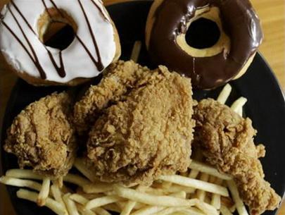 Anh: Các thực phẩm giàu chất béo có thể bị áp thuế