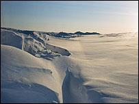 Người Nga lặn xuống Bắc Cực