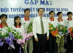 Việt Nam cố gắng giữ cúp ở lại