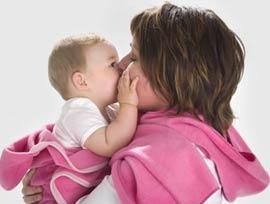 Không nên ủ nhiều cho trẻ sơ sinh