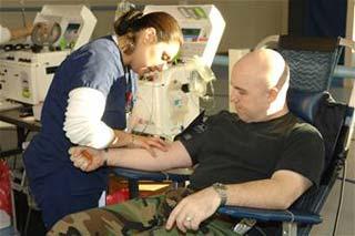 Sự khủng hoảng về người hiến máu đang dần đến gần