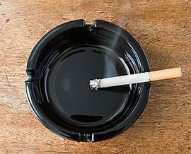 Người hút thuốc lá giảm thị lực nhanh