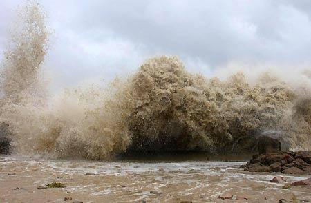 Trung Quốc: Hàng chục người chết vì bão Sepat