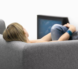 Xem TV nhiều gây cảm giác thiếu ngủ