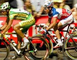 Tim vận động viên Tour de France to hơn bình thường