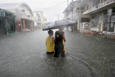 Ít nhất sáu cơn bão lớn xuất hiện từ Đại Tây Dương