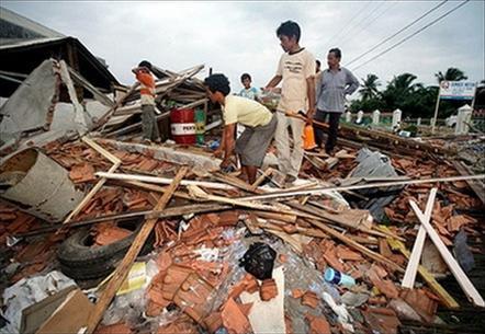 Indonesia: Động đất làm núi lửa hoạt động mạnh