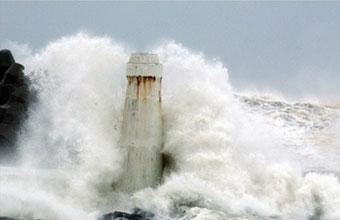 Siêu bão đánh vào miền đông Trung Quốc