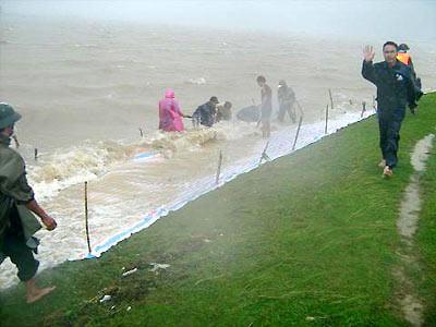 Không được chủ quan với những cơn bão cuối mùa