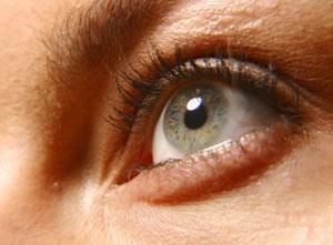"""Bạn """"thuận"""" mắt trái hay mắt phải?"""