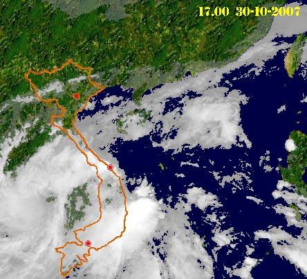 Áp thấp nhiệt đới gây mưa lớn ở Trung Bộ và Tây Nguyên