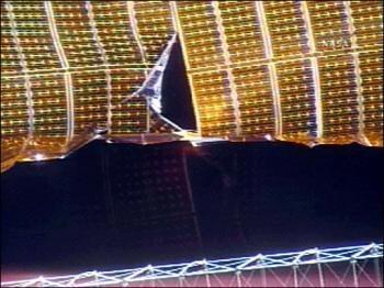 Hoãn triển khai một tấm năng lượng Mặt Trời trên trạm không gian quốc tế