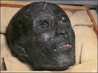 Hé lộ mặt thật của Pharaon Tutankhamun