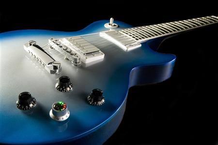 """Guitar điện """"robot"""" tự lên dây đầu tiên trên thế giới"""