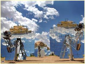 """Bắt sa mạc Sahara """"nhả"""" điện"""