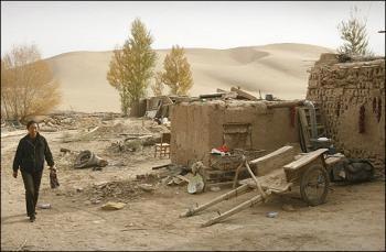 Chuyện về một thị trấn cổ đang chìm dần trong cát