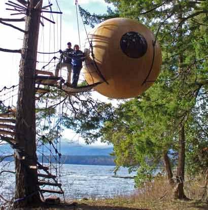 Ngôi nhà hình cầu treo trên cây