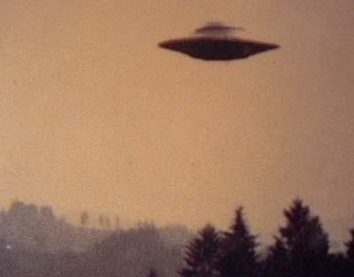 """Người <i>""""xanh""""</i> ngoài hành tinh và UFO <i>""""ghé thăm""""</i> Anh?"""