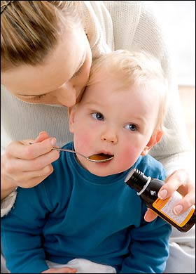 Có nên sử dụng thuốc ho cho trẻ dưới 2 tuổi?