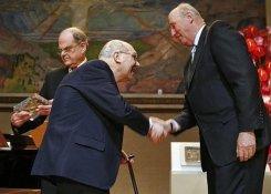 Hai nhà toán học Pháp và Mỹ nhận giải thưởng toán học Abel 2008