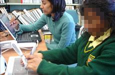 Robot giúp trẻ mù học viết
