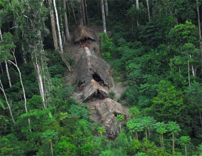 Phát hiện bộ tộc nguyên thủy còn sót lại trên trái đất