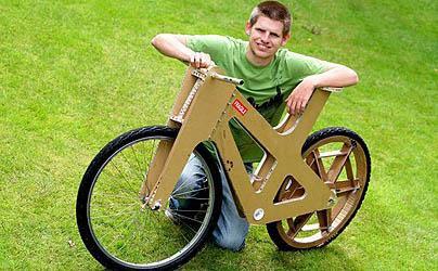 Xe đạp bằng cactông