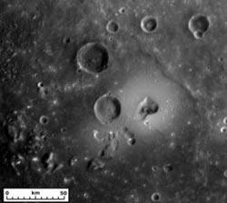 Bề mặt sao Thủy hình thành do hoạt động núi lửa và thiếu sắt