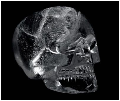 Nghệ thuật lừa đảo: Sự thật về những chiếc sọ pha lê