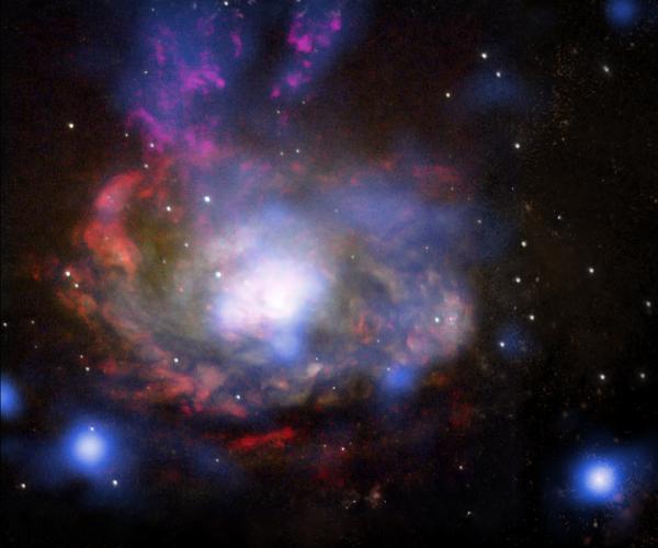 """Siêu tân tinh """"anh họ"""" hoang dã của SN 1987A"""