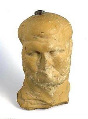 Bức tượng cẩm thạch 1.800 năm tuổi