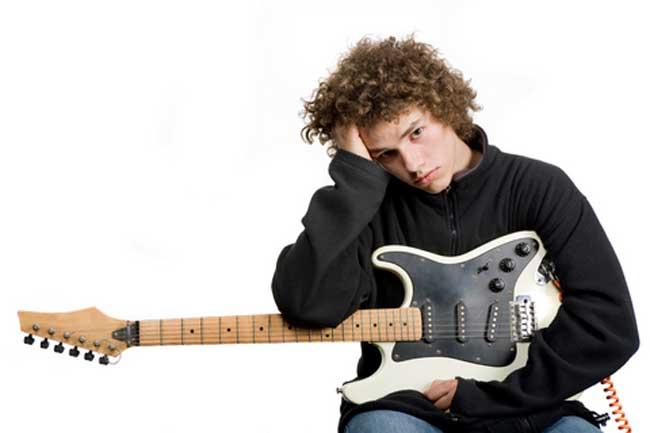 Người chơi nhạc đọc cảm xúc tốt hơn