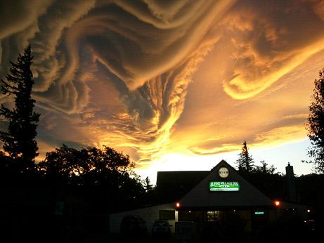 Những đám mây kỳ dị trên bầu trời