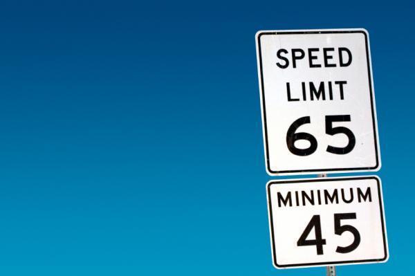 Tỷ lệ tử vong cao do bãi bỏ kiểm soát tốc độ