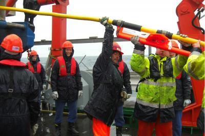 Dấu hiệu của phun trào núi lửa dưới đáy biển Labrador