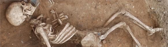 Khung xương mới phát hiện ở Caistor khiến các nhà khảo cổ bối rối