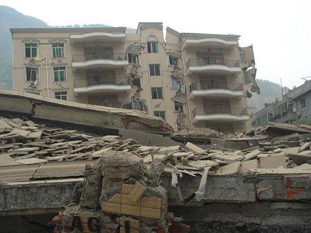 Ảnh hưởng của động đất Tứ Xuyên lên hoạt động não ở những người sống sót