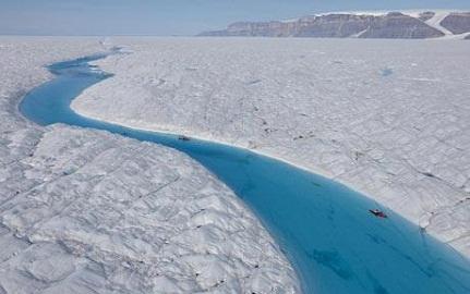 Tảng băng cực lớn tan vỡ ở Bắc cực