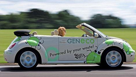 Xe hơi thời trang chạy bằng rác thải