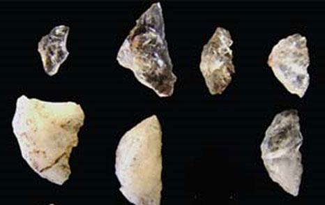 Tìm thấy mũi tên cổ nhất thế giới ở Nam Phi
