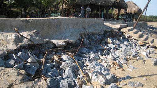 Thanh Hóa: biển Sầm Sơn xâm thực mạnh vào đất liền