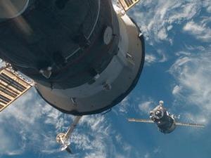 Tàu vũ trụ Liên hợp-M lắp ráp thành công với ISS