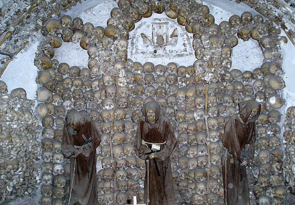 Những lăng mộ rùng rợn nhất thế giới