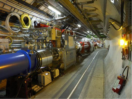 CERN mô phỏng thành công vụ nổ vũ trụ Big Bang