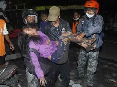 48 người chết trong đợt phun trào mới của núi lửa Indonesia